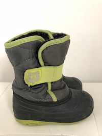 Kamik waterproof winter boots, size 8 Vaughan