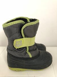 Kamik waterproof winter boots, size 8