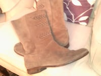 ugg ladies boots size 8 1/2 suede #3182 Chicago