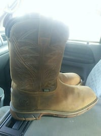 Red wing boots Mattoon, 61938