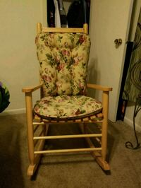 Very nice rocking chair Fayetteville, 28303
