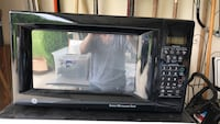 Black GE microwave oven with box Fort Wayne, 46814