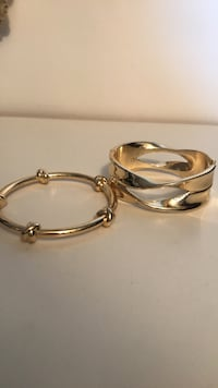 two gold-colored rings Dollard-des-Ormeaux, H9A 3G9