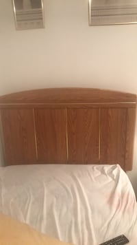 bed with head board and bottom drawers Capitol Heights, 20743
