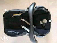 Maxi cosy baby carry and car seat Pune, 412207