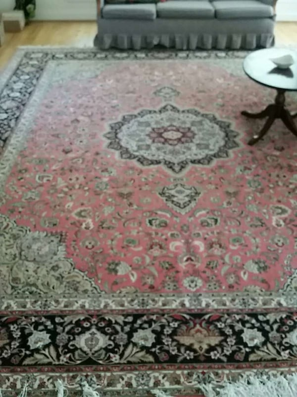 Persian Rug hand made authentic excellent conditio 4edeb289-78f1-477a-9ac2-7148f483a19d