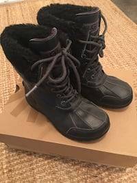 Kids Ugg winter boots - Size 2