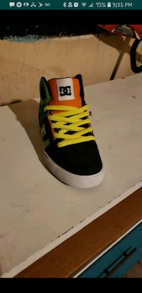 Vans d.c.  Moreno Valley, 92553