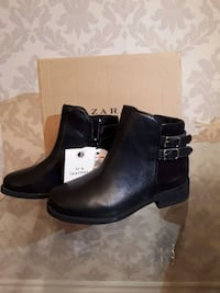 Girls Zara Leather Boots Whitby, L1N 2M2