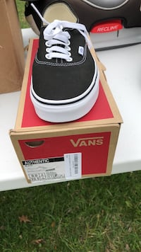 Black and white vans size 9 men's or 10.50 women's  Frederick, 21701