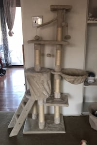 Cat tower Odenton, 21113