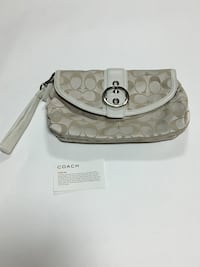 Authentic coach wristlet /clutch  Ottawa, K2E 6W2