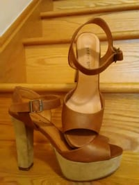 pair of brown leather ankle strap heeled sandals Brampton, L6R 0W2