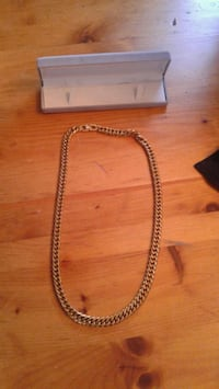 Large Cuba chain. Never worn Calgary, T2V 3C1