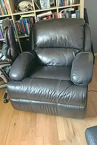 brown leather recliner sofa chair Toronto, M6H 3G7