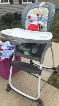 high chair  Indianola, 50125