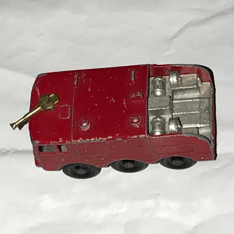 Vintage 1964 MatchBox Lesney #63 Foamite Airport Crash Tender England