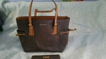 Michael Kors tote and wallet wristlet