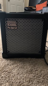 Roland cube guitar amp $50 OBO (Needs Gone) Columbus, 43147