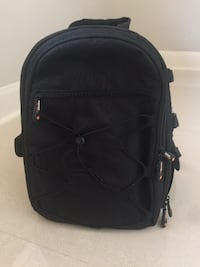 AmazonBasics Backpack for SLR/DSLR Cameras and Accessories - Black - Like New Bellaire
