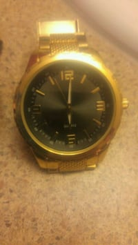 Quartz gold watch Grande Prairie, T8V 1G9