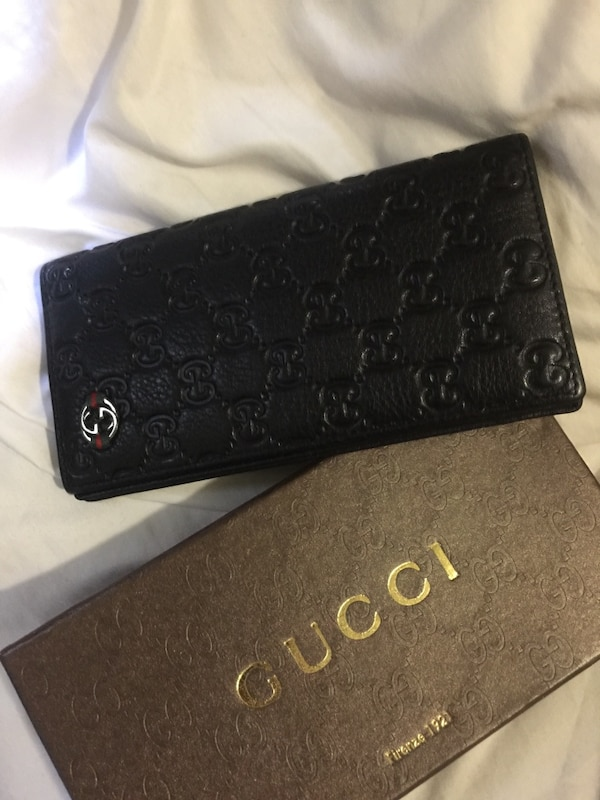 a436a8ccd491 Used Men's Gucci wallet for sale in San Jose - letgo