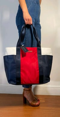 BRAND NEW AUTHENTIC  TOMMY HILFIGER purse bag with tag!