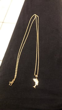 gold chain-link necklace 2280 mi