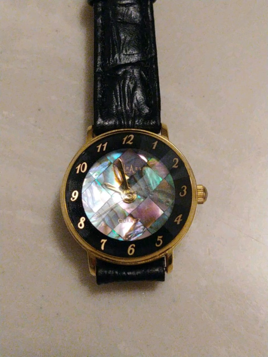 Photo La Express ABALONE Shell Dial Faceted Crystal Women's Watch