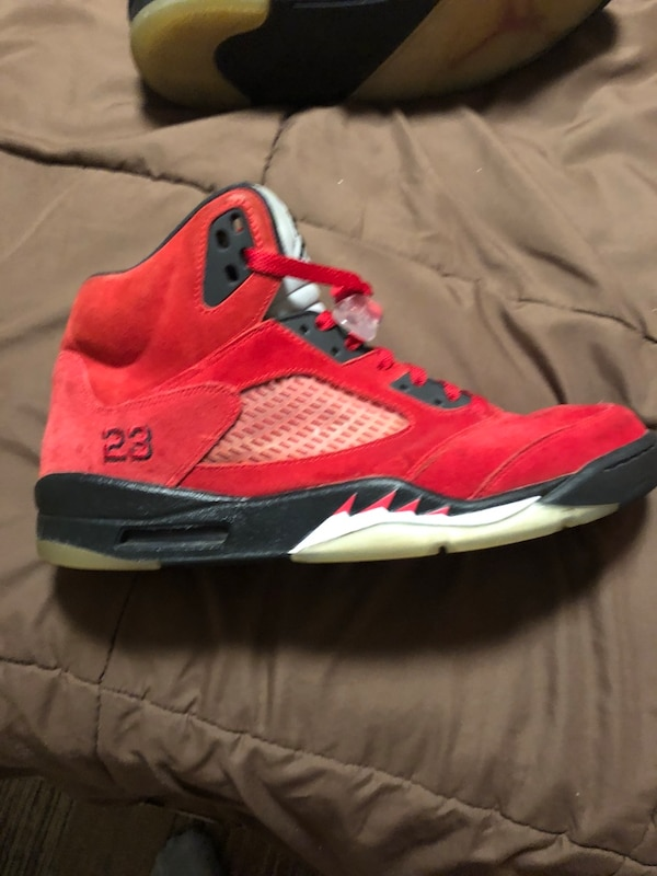 Used red and black Air Jordan 5 shoe for sale in Stewart Manor - letgo 44bd656aa