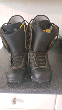 Burton Snowboard Boots 11.5 US (Selling for 20 if bought today) Nov13 Vancouver, V6M 2K4