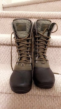 The North Face Women's Mid-Winter Army Green Boots Calgary, T3J 0C4