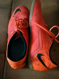 pair of orange Nike cleats Edmonton, T6J 2N1