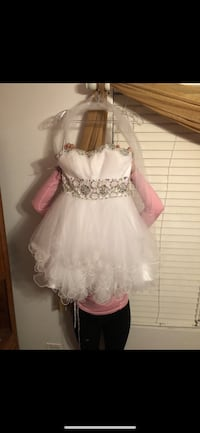 white and silver homecoming/prom/quince dress  Wheaton, 60189