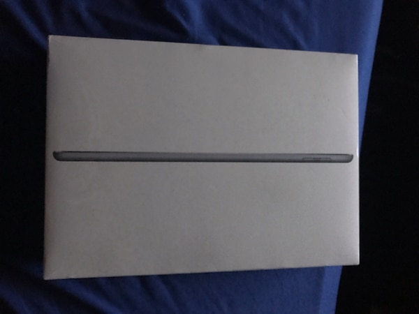 (Unopened) iPad 6th generation 32GB+WiFi
