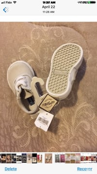 Toddler GAP Baby shoes size 4 Toronto, M4A