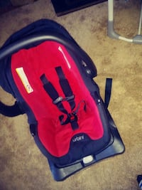 baby's black and red Chicco car seat carrier Manassas, 20110