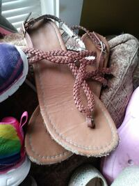 pair of brown leather sandals Prineville, 97754