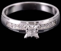 10kSolid Gold, 0.38 Ctw Diamond engagement ring. Size 8 Manchester