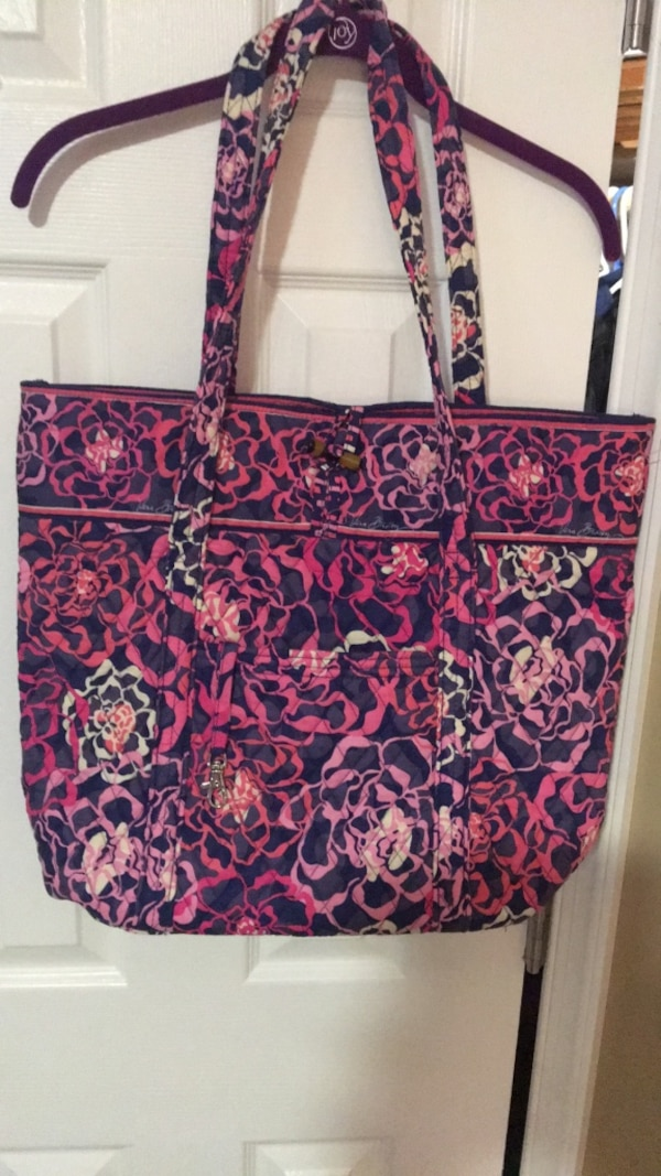 Vera Bradley tote 14X18, no stains in excellent condition
