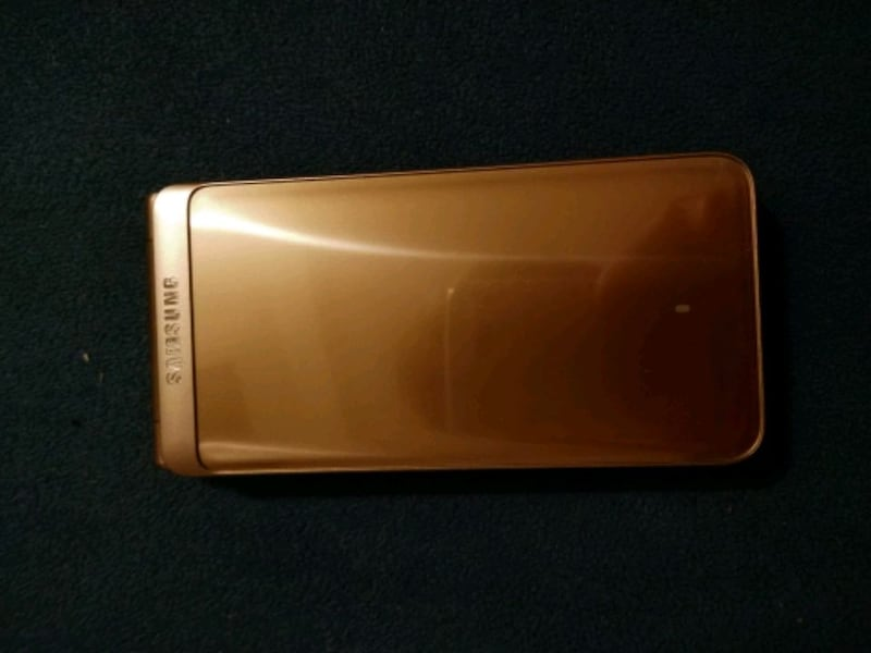 Samsung Galaxy Folder 2 phone 1