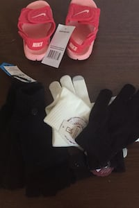 3 Kids gloves and sandals Stafford, 22554