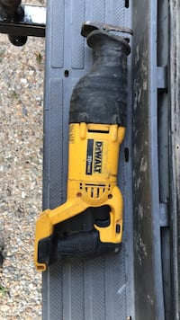 Dewalt 20v max reciprocating saw w/ battery and charger Newport News, 23606