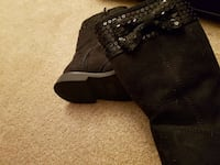 Boots for toddler size 9