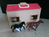 Wooden take along barn with new horses Oakton, 22124