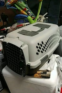 Pet carrier Mount Airy, 21771