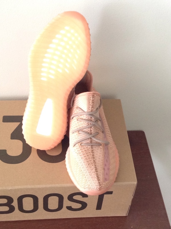 6862e86a98d22 Used Yeezy Boost 350 V2