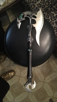black and white electric guitar Hialeah, 33012