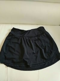 Black golf skirt size small