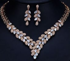Cubic zirconia necklace with rose gold plated